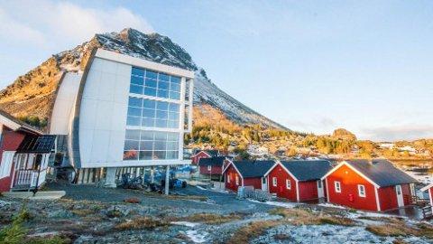 Det arkitekttegnede hotellet «Syn» på lundefugløya Lovund utenfor Helgelandskysten er, ja, rett og slett litt av et syn!