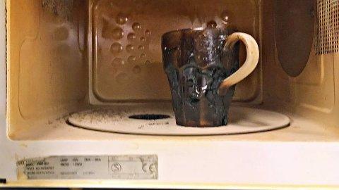 Mikrobølgeovnen kan være farlig om den brukes feil.