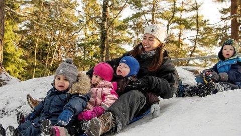 I Ammerudkollen barnehage i Oslo har de ansatt flere idrettspedagoger for å oppmuntre og stimulere barnas utelek fra tidlig alder.