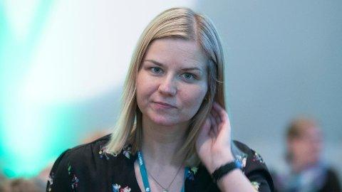 Venstres Guri Melby går hardt ut mot Jordmorforbundet.