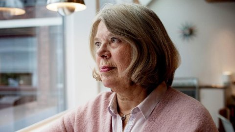 TAPER STORT: Unni Bjelland mener det er urimelig at hun taper pensjonspenger å jobbe lenger enn det som er forventet.