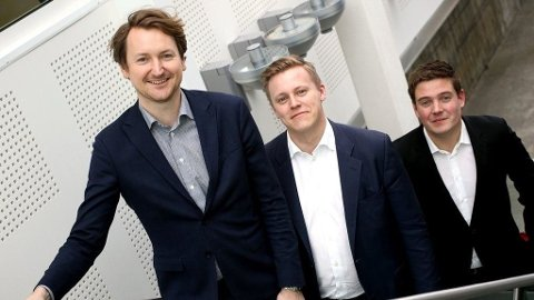 EUROJACKPOT: Brede A. Haglund (t.v.), Alexander Mollan og Dag Michael Bjerkli i Brækhus advokatfirma DA har veiledet over 700 millionvinnere. Foto: Pernille Storholm Skaret