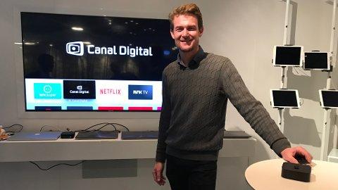 NY APP: Produktutviklingsdirektør Marius Bjerke i Canal Digital presenterte appen Canal Digital på Apple TV for pressen onsdag formiddag.
