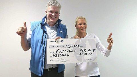 I SPISSEN: Oda Johanne Stokstad Brødholt har fått 560.000 kroner fra Gjensidigestiftelsens Chris Bjelke for at flere skal få mulighet til å satse på brettseiling. FOTO: SEILMAGASINET