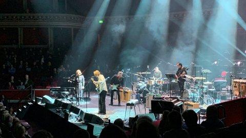 I Royal Albert Hall: Søndag opptrådte Magnus Berg i det ærverdige konserthuset i London, med blant annet sin egen «I'm in trouble».