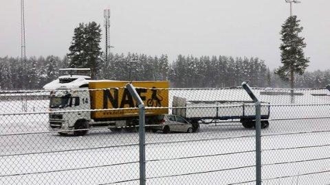 Konsekvensene kan bli store og dramatiske når hengeren på et vogntog treffer en personbil i 60 kilometer i timen.