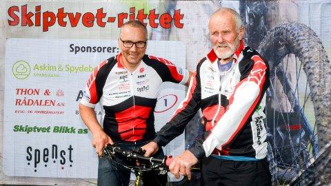 KLARE: Skiptvet IL ski og sykkel skal arrangere NM sammen med Fredrikstad Sykkelklubb. Jens Helge Borgen (t.v.) og Tor Dyre Vaa er klare.