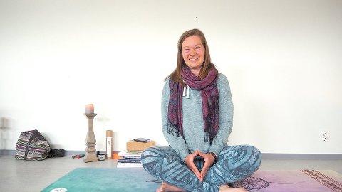 STUDIO: Katrin Moe har starta yogastudioet Yomasofi på Hafslo.