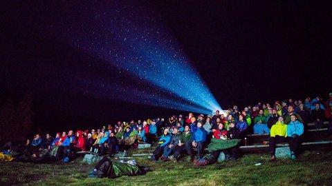 TIL FJELLS: Denne helga vert Fjellfilmfestivalen arrangert for 16. gong på Gjendesheim i Jotunheimen, 994 moh. (Foto: Eivind Haugstad Kleiven)