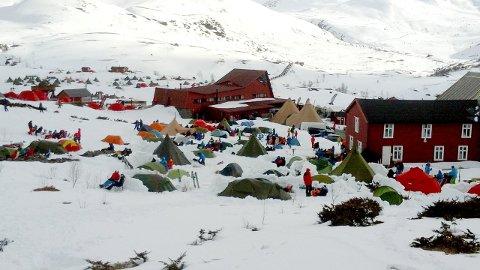 MANGE I FJELLET: I helga vert High Camp arrangert på Turtagrø. Biletet er frå nokre år sidan. (Arkivfoto: Gunnar Hesjevoll)