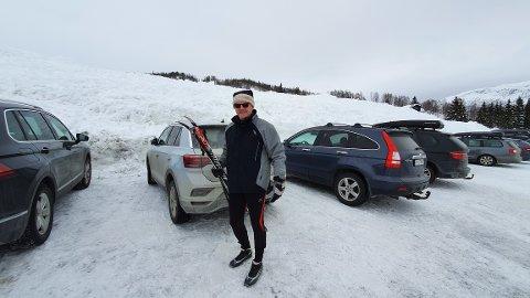 SKI: Kjell Skjeldestad i Rindabotn like før han tek fatt på sin førtiande tur.