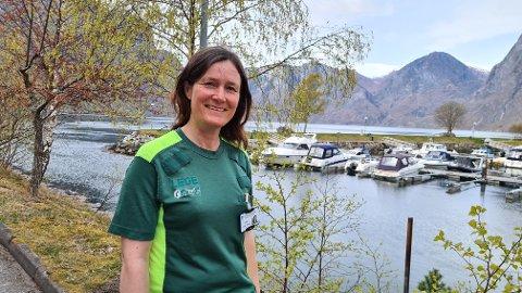 PÅ PLASS: Frøydis Gullbrå starta i jobben som allmennlege i Aurland måndag og har fått mange tilbakemeldingar frå folk som er glade for at ho tok stillinga.