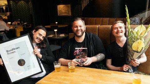 SVOLTNE PÅ SUKSESS: Olav Dowkes, Jørn Kaarstad, og Bård Linga i Bokassa pressar fram eit smil. Etterpå skulle dei få hamburger òg, som lova.