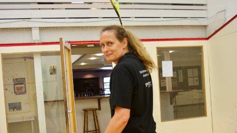 I august vil fem nye squashbaner stå klare. På bildet: Heidi Johansen, daglig leder for Toppform treningssenter.