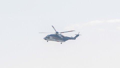 Det er ikke flere helikoptre for tiden, men de vil en periode fly nærmere bebyggelse enn tidligere.
