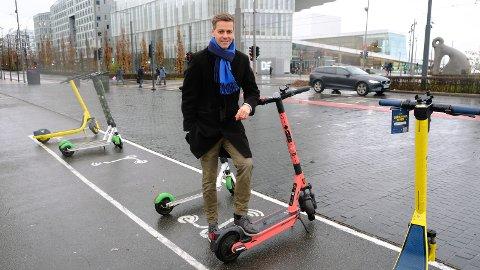 Nå kan du få gebyr for parkering og kjøring med elsparkesykkel i skiltede forbudssoner.