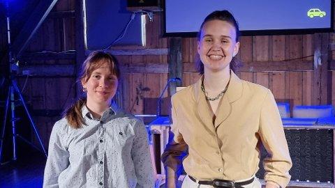 GLER SEG: Anna Haaland og Vilde Biserød Vengnes gler seg til å ta i mot publikum til framsyninga.
