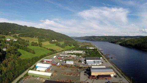 TJUIN: I Malm industripark er det cirka 20 dekar ledig areal igjen. Om det skal etableres en batterifabrikk her, må den planlagte utvidelsen av Tjuin iverksettes. Da skal man fylle opp innover i Beitstadsundet.