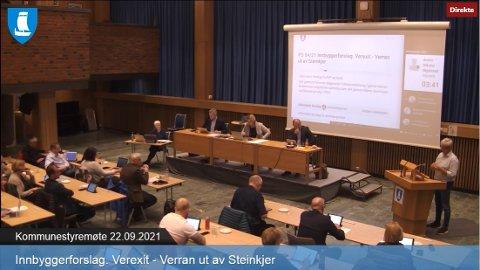 Kommunestyret: Det ble en lang debatt om Verexit i kommunestyret onsdag kveld. Møtet ble overført på kommune-TV, slik at alle som ønsket kunne følge debatten.