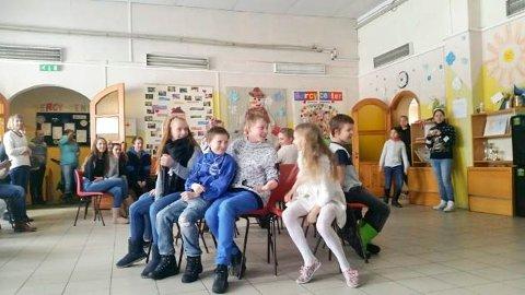 STOLLEKEN: De fant tonen via leken, og her er det stolleken med Tallinsk vri under klassetruen til Estland i fjor.