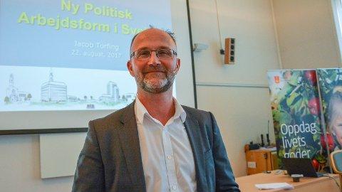 FREMSKRITT: Jacob Torfing er forsker og har sett på oppgaveutvalget i Svelvik. – Et spennende og modig prosjekt som jeg tror vil sette spor i kommune Norge.