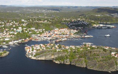 MILJØGIFTER: Deler av Kragerøs havneområde er svært forurenset, går det fram av en fersk rapport som er laget på oppdrag fra Fylkesmannen i Telemark. Det ble funnet for høye verdier både av kvikksølv, dioksiner og PAH-stoffer (tjærestoffer).