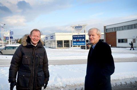 KJØPER FORMOSENTERET: Gründeren Pål Solberg og sønnen Ole Bernhard kjøper      Formosenteret ved Porsgrunnsvegen for nærmere 30 millioner kroner.