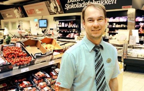 MOTIVASJON: - Jeg savner at søkerne skriver om motivasjonen for å søke, sier kjøpmann Thomas Holen i Meny GS.