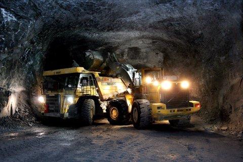 Når det ikke lenger er lønnsomt å hente ut kalkstein fra gruvene under Eidangerfjorden, hva skal de tomme gruvegangene brukes til da? Det er det store spørsmålet som kan få ringvirkninger for hele Grenlands miljø og omdømme.