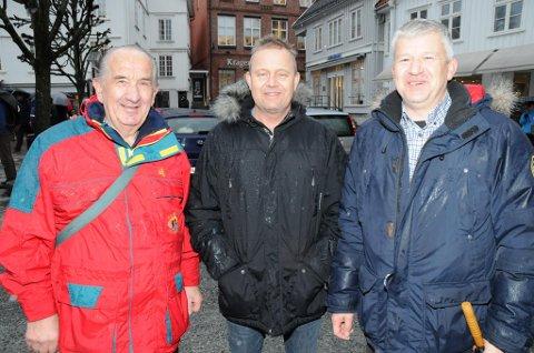 SIER NEI: Henry Isnes (t.v.), Grunde W. Knudsen og Jone Blikra i Kragerø Arbeiderparti sier allerede nå et klart nei til at Kragerø skal bli en del av stor-Grenland. Men de åpner likevel for å se på grensene mot nabokommunene.