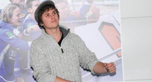 ENGASJERENDE FYR: Samuel Massie har tatt grep i sitt korte liv. Fra skulkende skoletaper i politiets søkelys som 16-åring, til fullverdig medlem av mannskapet om bord på Berserk som 18-åring – på vei til Sydpolen med skipper Jarle Andhøy. I går fortalte han skoletrøtte, jobbløse og kanskje litt umotiverte ungdommer at det handler om å ta en sjanse, prøve noe nytt, ta grep om eget liv – og fullføre.FOTO: JARLE PEDERSEN