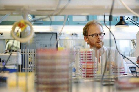 ØKER: Overlege Dagfinn Skaare melder nå om høy influensaaktivitet.