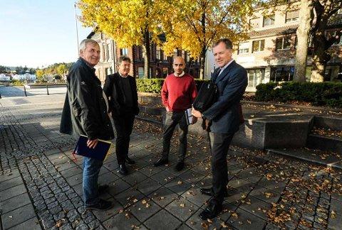 Gruvesjefen på Norcem Trond Kaasa, Kjetil Hansen i Hjellnes Consult AS, fabrikkdirektør David Verdu og adm. dir i Noah, Carl Hartmann