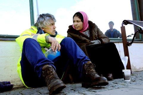 HJELP TIL ROMFOLKET: Bjørn Erik Kristiansen kjemper nå for å bedre boforholdene til romfolket i Grenland. Dette bildet er tatt i forbindelse med en protest mot forslaget om tiggerforbud.