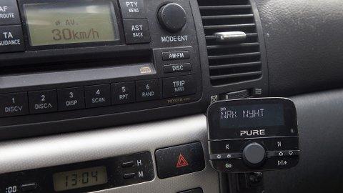 ETTERMONTERT: Neste år blir det ganske så stille i de fleste biler om du ikke monterer en DAB-mottaker.