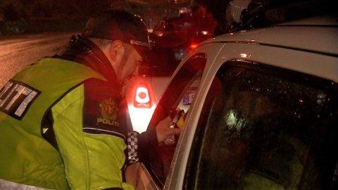STANSET: Den 49 år gamle sjåføren blåste først i alkometeret, og siden det ga utslag, ble han tatt med inn til politistasjonen.