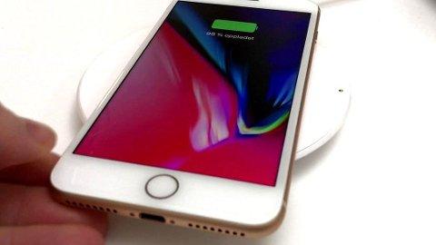 Når kapasiteten på batteriet synker, har Apple programmert tidligere iPhone-modeller til å redusere ytelsene for å garantere at mobilen kjører stabilt. Foto: Lars Wærstad, Nettavisen/ANB