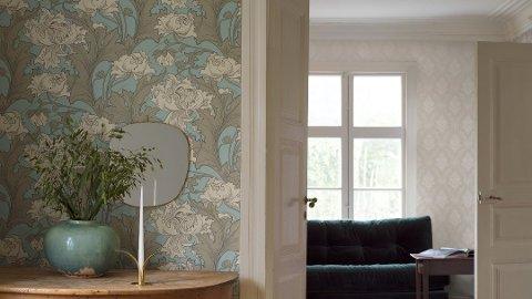 HISTORISK TAPET: Med tapet fra en ønsket stilepoke får rommet fort den riktige stilen. Foto: Borge/ANB