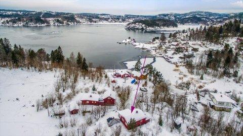 GOD UTSIKT: Hytta i Bergsbygda har flott utsikt over Eidangerfjorden.