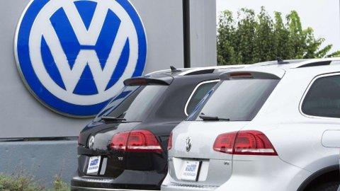 Tyske myndigheter følger opp Dieselgate-bilene tett. De som ikke har levert inn bilene sine til oppgradering, risikerer nå avskilting. Foto: Scanpix.