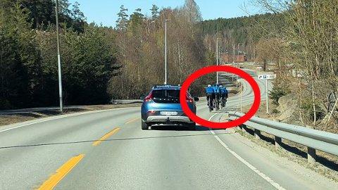 En treningsgruppe ute på veien søndag ettermiddag. Foto: Eirik Løkkemoen Bjerklund