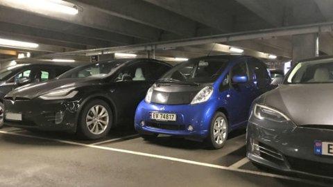 Den lille elektriske Mitsubishi i-MiEV har vært en stor suksess i Norge. Nå stoppes produksjonen.