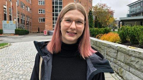 SLETTET APPENE: Eileen Røsholt slettet sosiale medier-appene etter hun så dokumentaren «The Social Dilemma». Foto: Kjersti Westeng (Mediehuset Nettavisen)