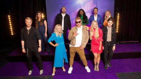 STJERNEKAMP: Emil Solli-Tangen, nummer fire fra venstre på bakerste rekke, er med i Stjernekamp på NRK fra 29. august.