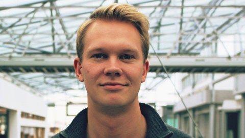 AKSJEHANDEL: Kristian Hafstad Småvik har spart i aksjer i fem år. Foto:Privat
