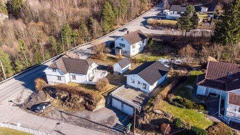 Det 60 kvaratmeter store huset på Klevstrand i Porsgrunn sto for en ellevill budrunde denne uka. Prisantydningen var på 1,8 millioner, boligen ble solgt for 2,55 millioner kroner.
