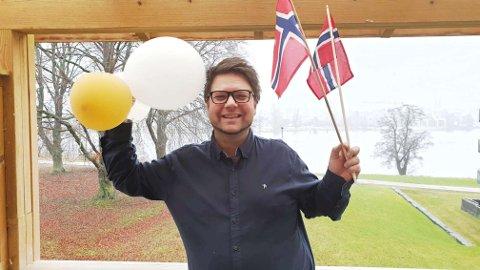 LÅT OG DAG: En ny 17. mai-låt kan det bli i år. Odin Adelsten Bohmann er klar for den og den store dagen.