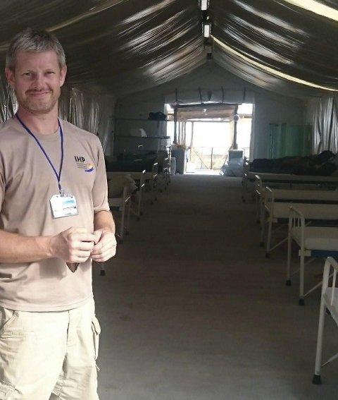 2014: Her er Tommy Flåterud under oppdraget i Sierra Leone. Nå er han straks på vei til flyktningeleiren Moria på Lesbos.