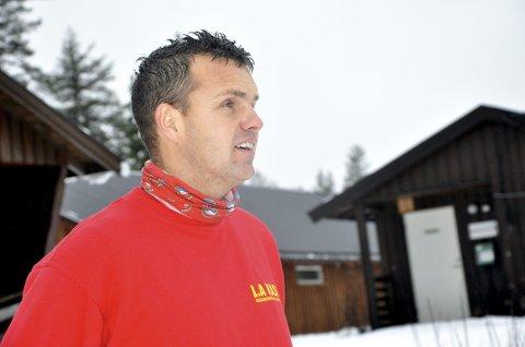 BEKYMRET: Leif Anders Kasin på Grønkjær skisenter.
