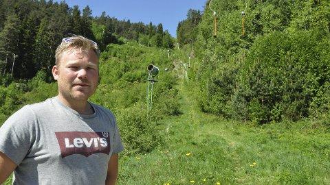 ViL BISTÅ: Halvor Jamtveit har suksess med  Kongsberg Skisenter. Nå håper han at det også kan bli aktivitet i Storeskar igjen. -Vi vil bistå md et vi kan, fastslår han.